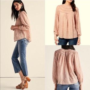 LUCKY 👛 blush blouse embroidered top shirt